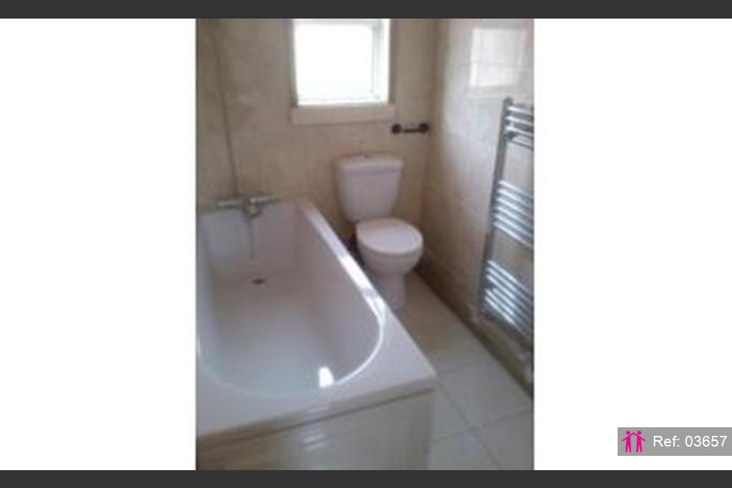 2 bedroom link detached house for rent